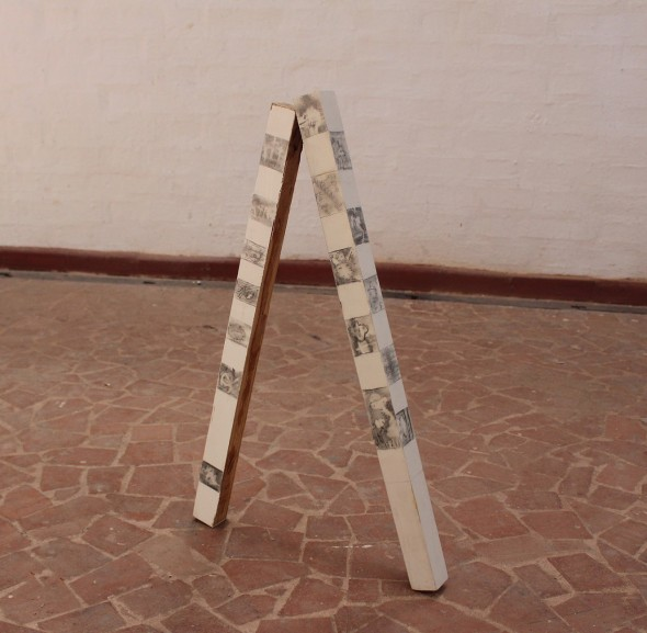 Sin título Grafito sobre madera