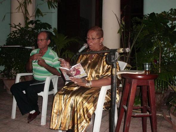 En el encuentro se declamaron poemas de la escritora Maritza Ramos