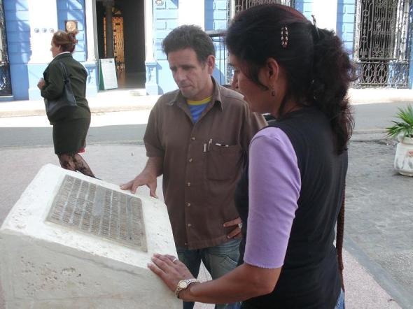 Tarja develada en honor a los conspiradores de Aponte en Camagüey