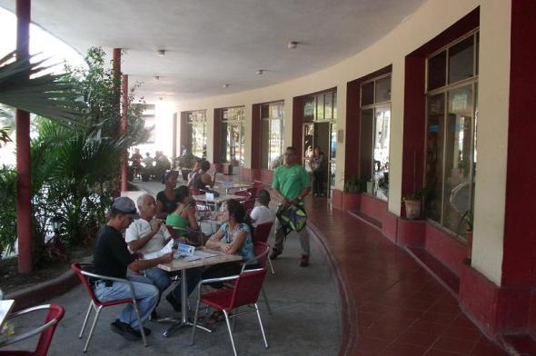 El Café Literario considerado uno de los más completos del país. Foto Lázaro David Najarro Pujol