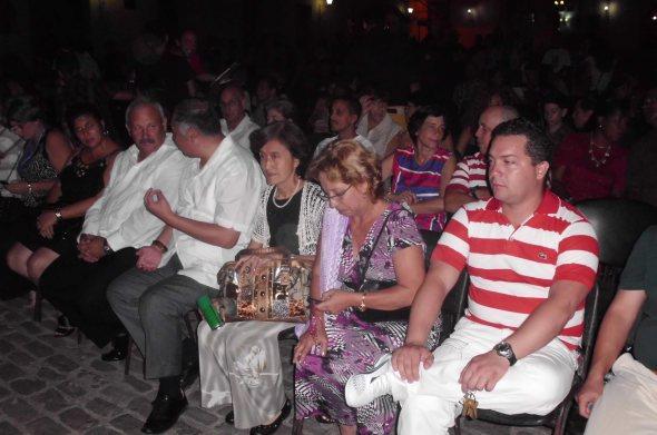 Con la presencia de las máximas autridades locales y l embajador de China en Cuba
