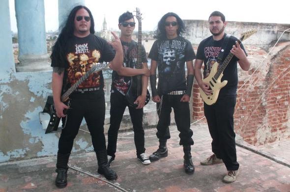Integrantes de la banda HIRDEN de Camagüey. De izquierda a derecha Jhon Henry Bourricandy, Mandy Junco, Carlos Álvarez, Eugenio A . Bazan. Foto Lázaro