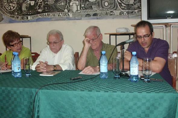 Jesús David Curbelo. Poeta, narrador, ensayista, crítico literario, traductor y profesor universitario