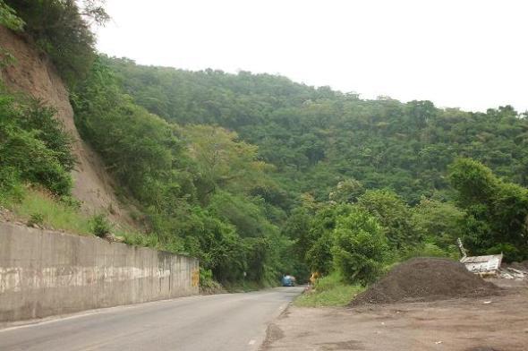 Emprendimos el periplo por carreteras peligrosas hasta los municipios de La Vega  y Guaduas, al noroccidente del departamento de Cundinamarca