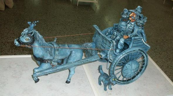 dar la vuelta al mundo en un viejo coche, una aventura increíble para Martín Colorín y su tropa de azules —sus dos hijos, un caballo y un perro sato