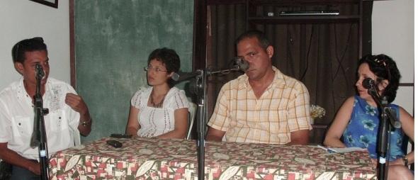 Debaten creadores cubanos sobre la blogosfera y acceso a Internet