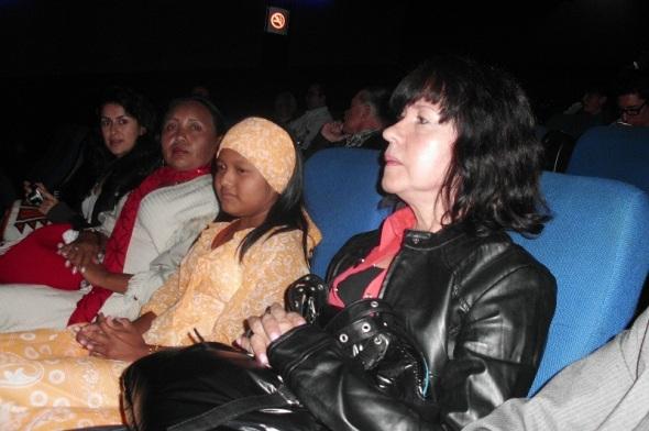 La directora Priscila Padilla y la protagonista Filia Rosa Momentos de la proyección del filme