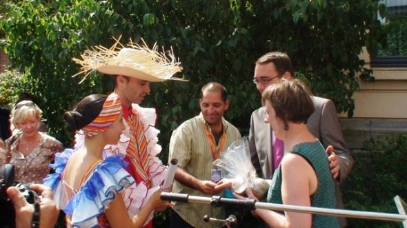 Las palabras de bienvenida a cargo de Maxime Prevot, alcalde de la ciudad y Teresa Rodríguez, presidenta del festival