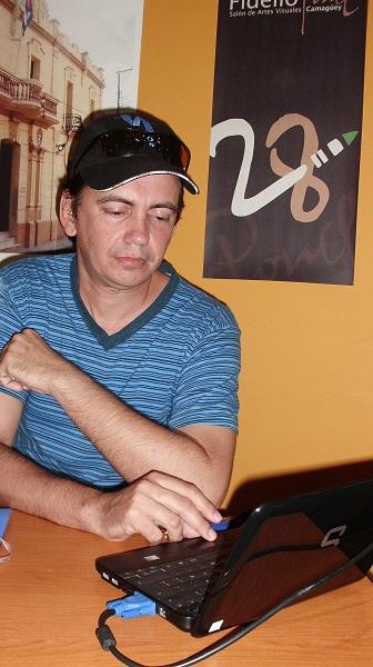 Alfredo Fuentes, curador general del evento,