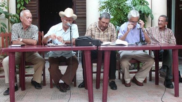 Con sombrero Benito Estrada