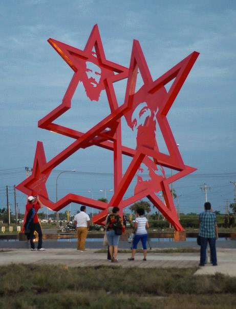 Obra escultorica a Camilo Cienfuegos. Foto Leandro A. Pérez Pérez