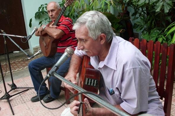 Saulo Antonio Fernández a la derecha y Máximo Rolando Montes de Oca