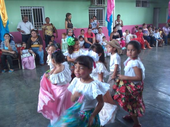 Los niños crecen con la ilusión de vivir en un país cada día mejor
