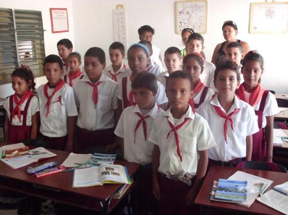 Niños de una escuela de Santa Cruz del Sur