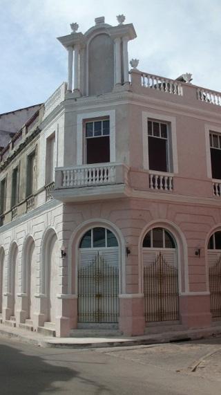 Teatro Avellaneda, de arquitecura monumental