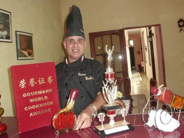 """Cheff de Cocina del Hotel """"Gran Club Santa Lucía"""" (Polo Turístico del litoral Norte de Camagüey), Frank Rodríguez"""