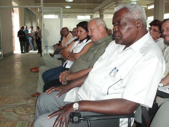 Esteban Lazo, entre otras autoridades, presente en la inauguración