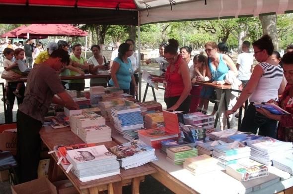 Feria del libro Camagüey. Foto Lázaro David Najarro