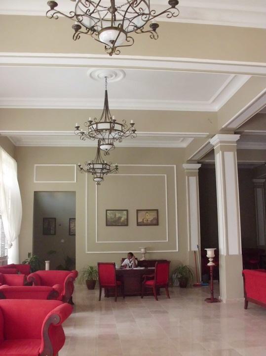 lobby del hotel Santa María