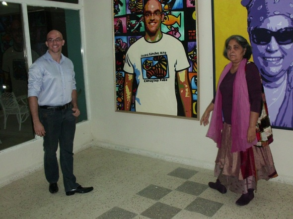 Ileana Sánchez  y estudiante de Brasil. Foto Lázaro David Najarro