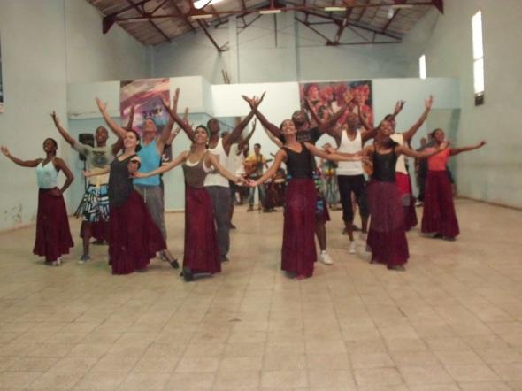 La Compañía Folklórica Camagua estrenará la  obra Perú Negro, del coreógrafo Alex Álvarez Aliaga, egresado de la Escuela Nacional Superior de Folklore José María Arguedas de Lima, Perú