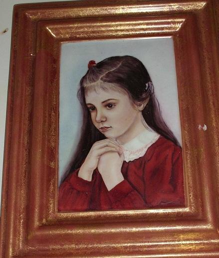 Retrato de niña.Técnica Clásica. Hoja de oro en buffer. Dimensión 28 x 22 cm