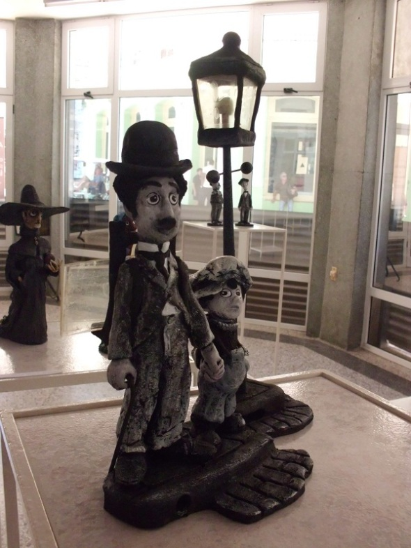 Sir Charles Spencer (Charlie Chaplin)