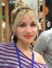 Editora y poeta cubana Annalis Castillo