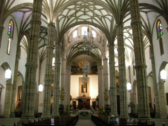 Interior de la Catedra de Santa Ana