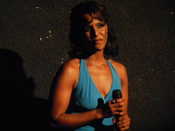 Yaíma Sáez interpretó  otras reliquias musicales como Libre de Pecado, de Adolfo Guzman; La última noche, de Orlando Fierro, Foto Lázaro D. Najarro