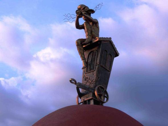 Escultura Traslación, de artista Premio Unesco, emplazada en ciudad cubana
