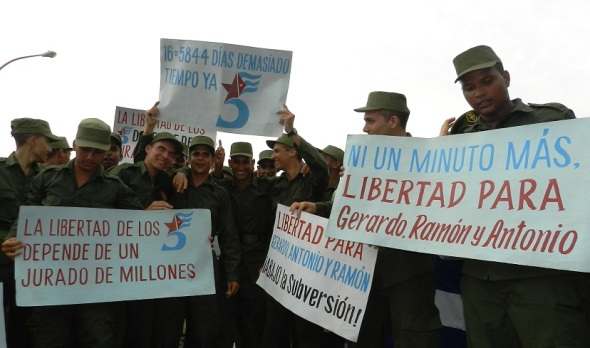 Reclamo de los jovenes soldados por la liberación antiterroristas cubanos