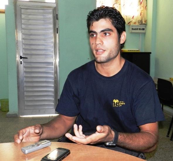 El estudiante cubano de quinto año de Ingeniería en Informática Juan Carlos Mejias