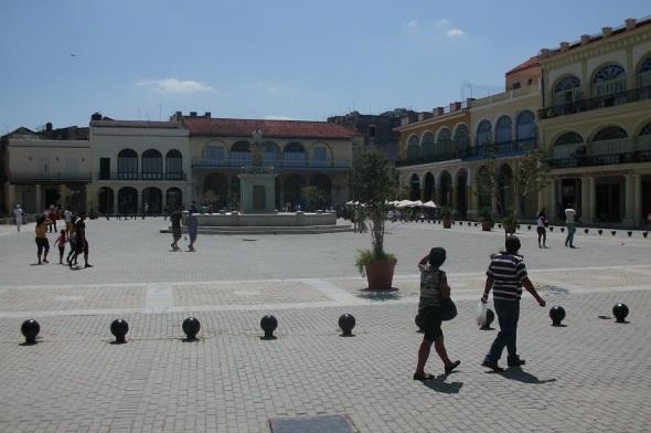 En la Plaza Vieja, La Habana