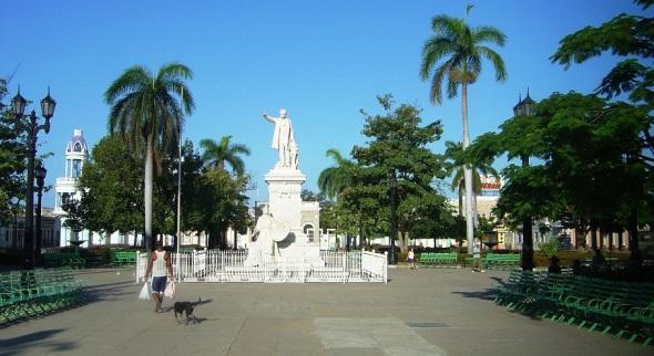 Parque José Martí en el Centro Histórico de Cienfuegos