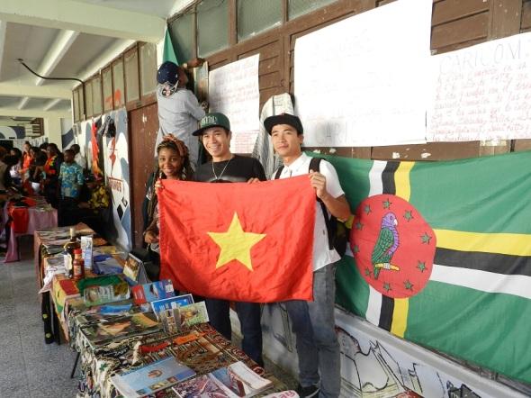 Viet Nam presente en la exposición
