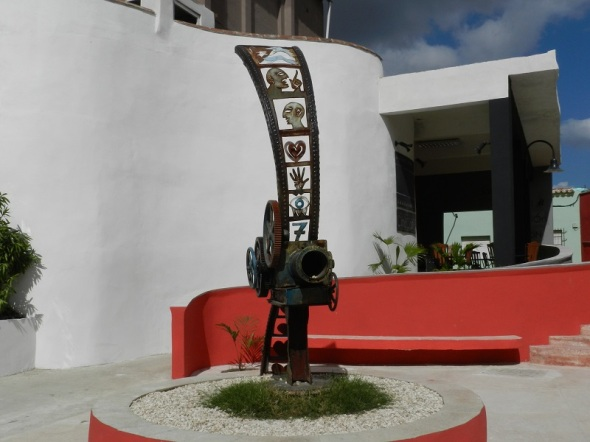 Trapiche de luz, del artista camagüeyano Oscar Rodríguez Lasseria