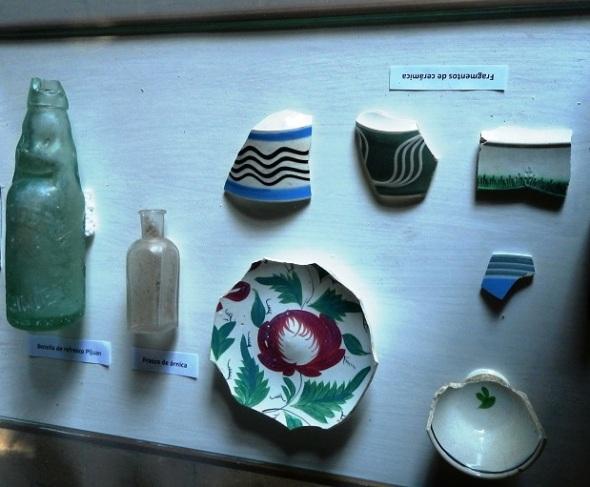 Ceramicas y otros objetos encontrados en la Casa Quinta Simoni