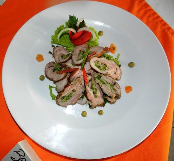 Rollito de cerdo y vegetales