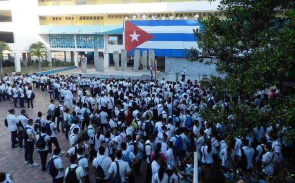 Acto de solidaridad con Venezuela en  universidad médica en Camagüey