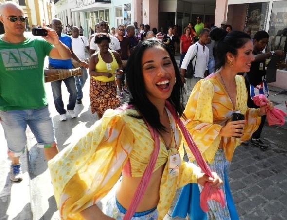 El Folclor por calles, plazas, parques y teatros de Camagüey