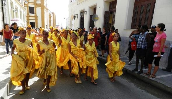 Estudiantes de la Academia de Ballet Folklórico de Camagüey