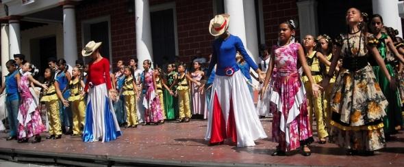 La Danza presente en las Romerias