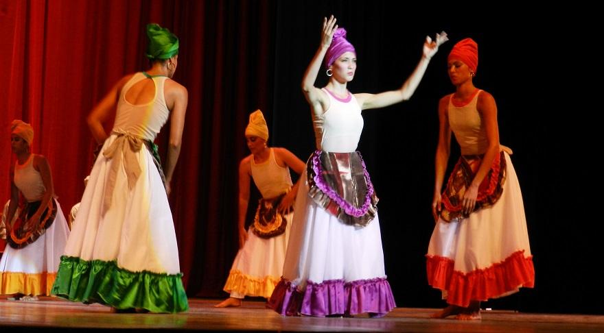 Conceden a folklorista cubano Premio de Danza Lorna Burdsall (5/5)