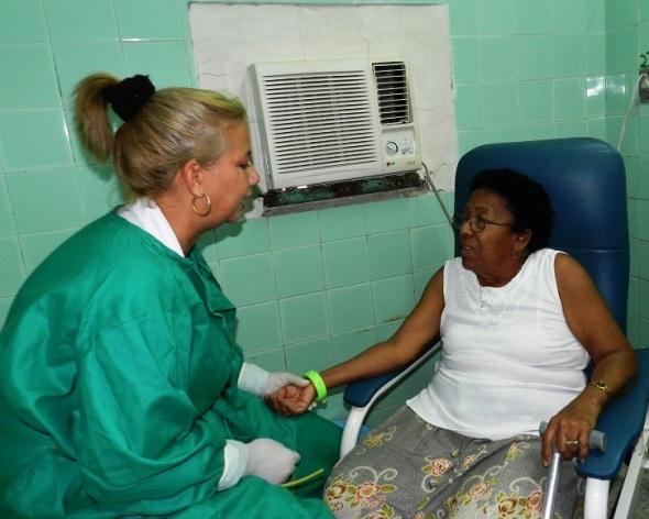 El Hospital Clínico Quirúrgico Amalia Simoni de esta ciudad aplica la novedosa tecnología de terapia regenerativa con células madre