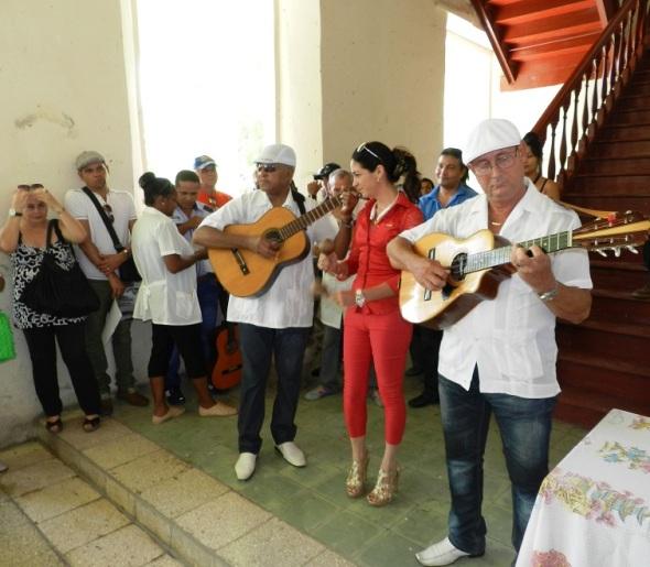 En el hogar de ancianos de Camagüey (1)