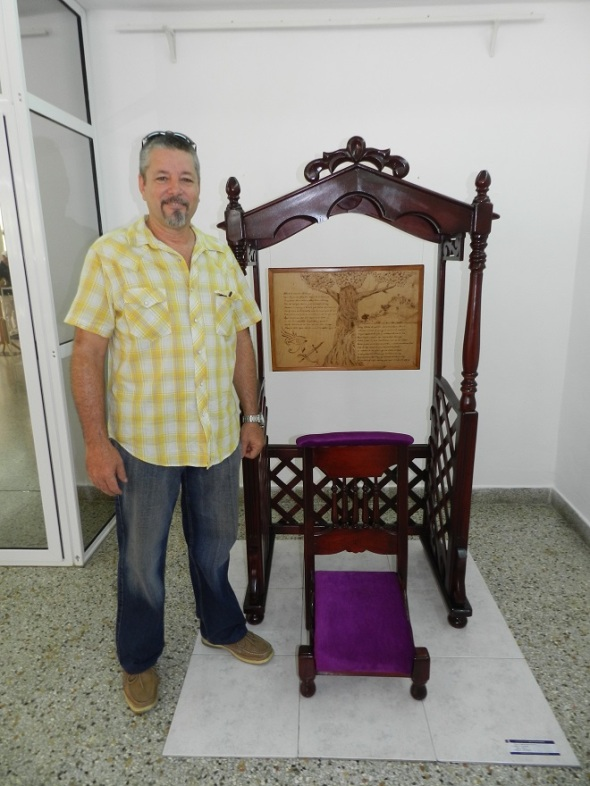 Artista-artesano Roberto Valdés de Arriba