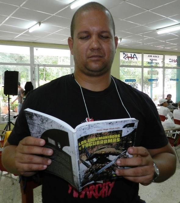 Escritor cubano Víctor Hugo Pérez .Foto Lázaro David Najarro