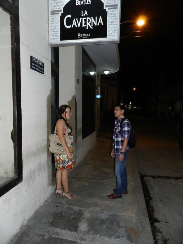 La Caverna de Los Bleatles, es una de las opciones nocturnas de la oriental ciudad cubana de Holguín.
