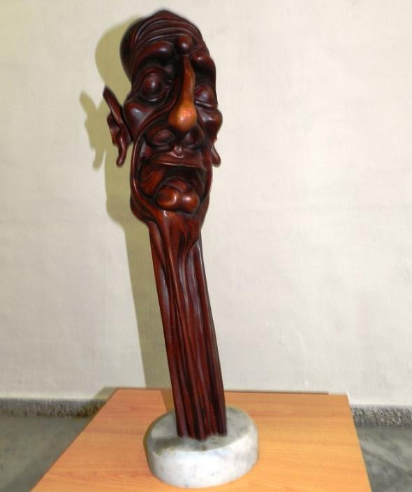 Obra sin título. Exposición de escultura en mármol Las Caricaturas de la Caricatura, del artista cubano Gregorio Pérez. Dimensión 85 cm x 4x 4pulgadas.